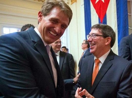 Senador estadounidense se encuentra en La Habana con el canciller Bruno Rodríguez