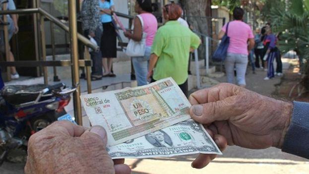 El dólar se dispara frente al CUC en el mercado informal