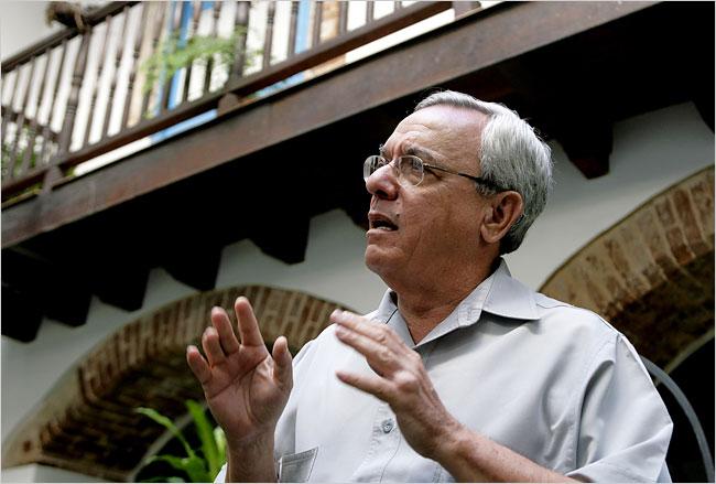 Homenaje a Eusebio Leal en teatro Martí
