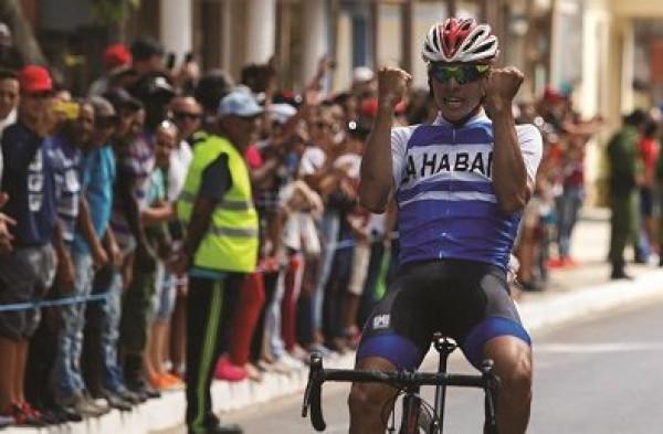 Gana Alejandro Carriles sexta etapa de Clásico de Ciclismo cubano