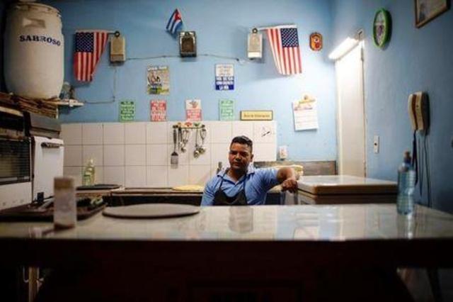 Proyecto de nuevas normativas busca más control sobre incipiente sector privado en Cuba