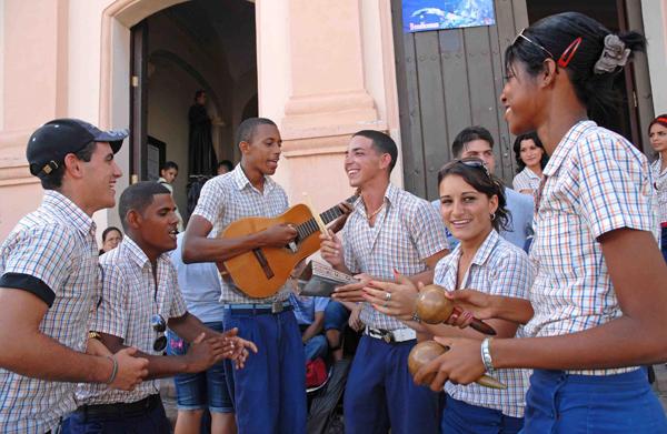 En toda Cuba, jornada por el Día del Instructor de Arte