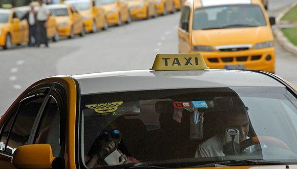 Cuba emite nuevas regulaciones para taxis en CUC