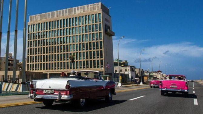 En momentos de cambio en Cuba, la embajada de EEUU está casi vacía