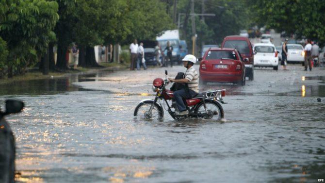 El occidente y el centro de Cuba en alerta ante posibles inundaciones por lluvias
