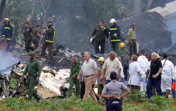 """El avión que se estrelló en La Habana dio un giro """"extraño"""" antes de caer, según Global Air Actualidad"""