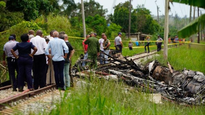 """Accidente de Cuba se debió a un """"fallo humano"""" de pilotos, según aerolínea"""