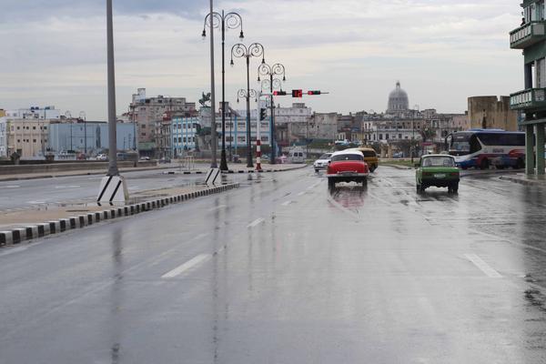 Más de cien derrumbes parciales en La Habana por recientes lluvias