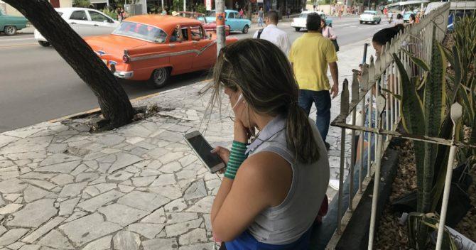 Cuba a un paso de iniciar el servicio de Internet en los móviles