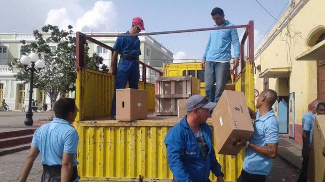 Etecsa prioriza el turismo y las capitales en el restablecimiento del servicio móvil en Cuba