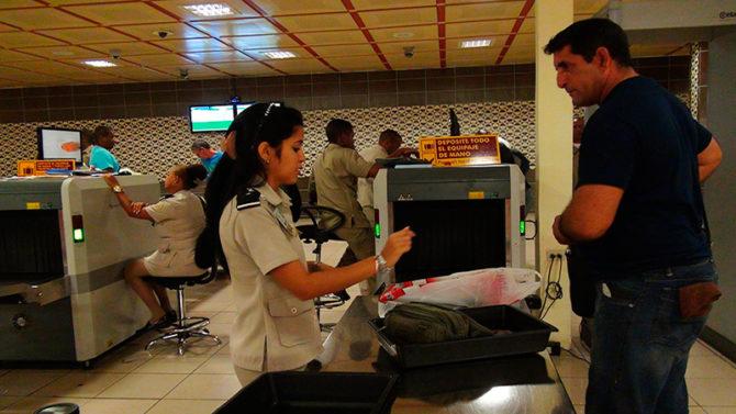 Aduana actualiza listado de agencias que pueden entrar paquetería a Cuba