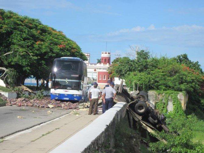 Un muerto y seis heridos en un accidente múltiple en Matanzas