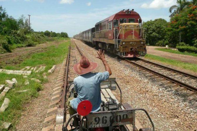 Francia invertirá 46 millones de dólares en recuperar el ferrocarril de Cuba