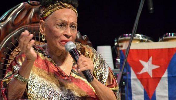 Omara Portuondo concluye gira por barrios de La Habana