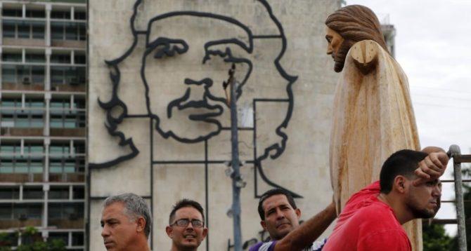 La Iglesia católica arremete contra el matrimonio homosexual en Cuba