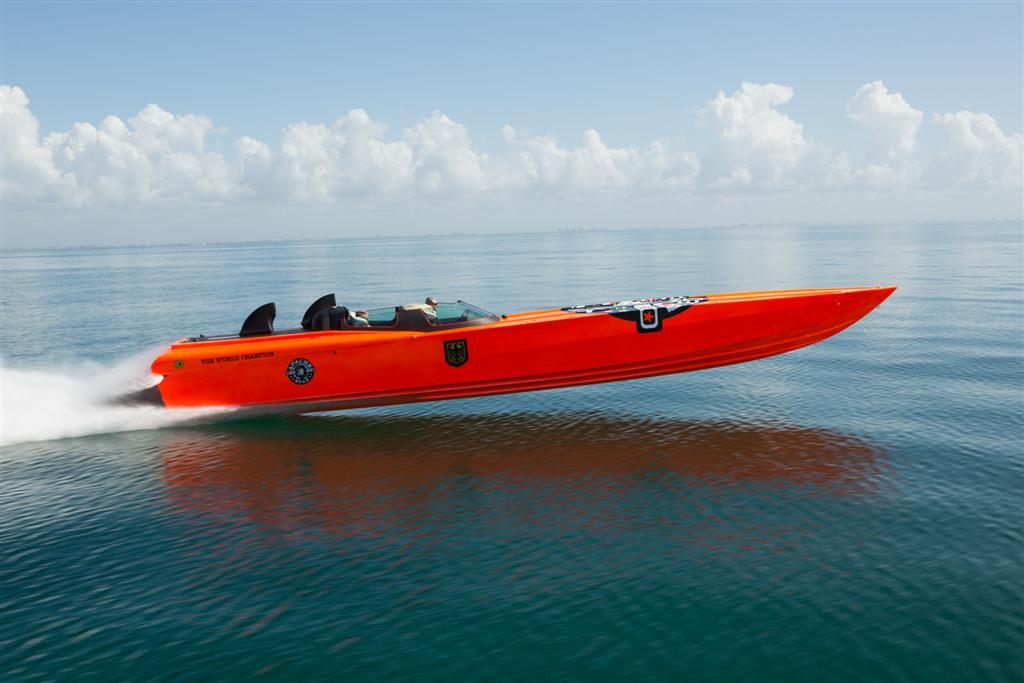"Apache Powerboats - Apache 50 - ""Apache Star"""
