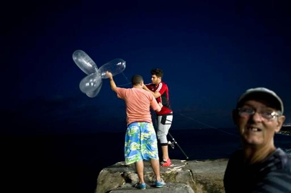 aptopix-cuba-condom-fishing