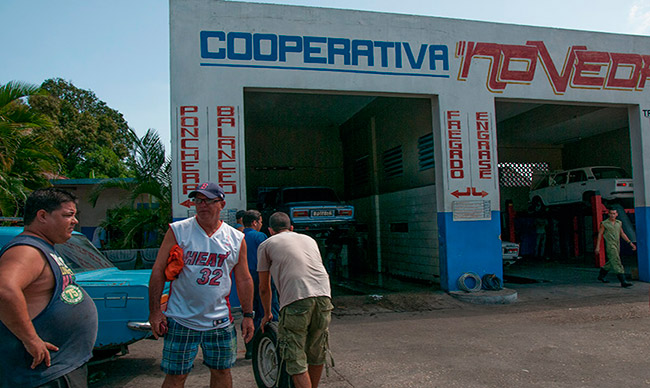 """""""New Rule of Three"""" in Cuban Cooperatives"""