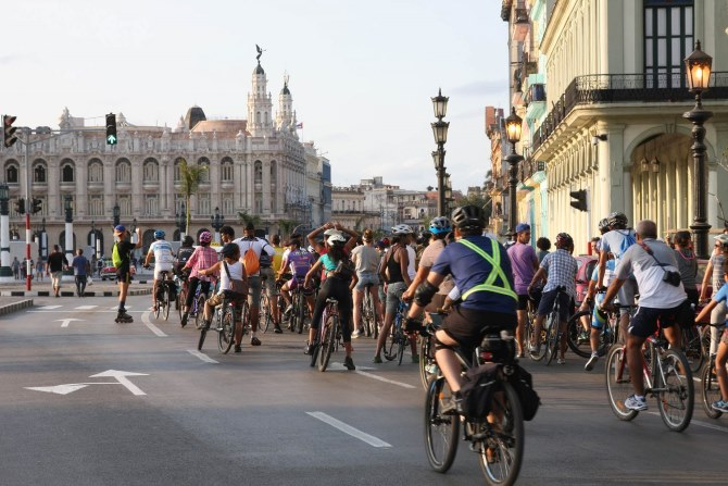 You never know what you'll see on this free bike tour of Havana