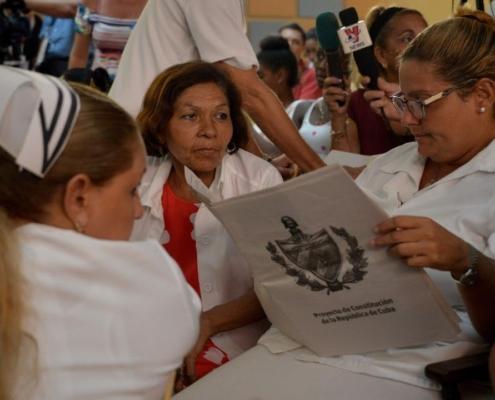 Les Cubains entament le débat populaire sur la nouvelle Constitution