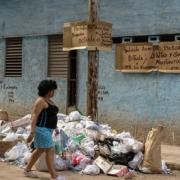 Impondrán multas de hasta 300 pesos por arrojar desperdicios fuera de basureros en La Habana