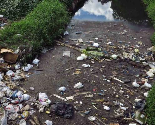 El insalubre estado del Río Quibú en La Habana