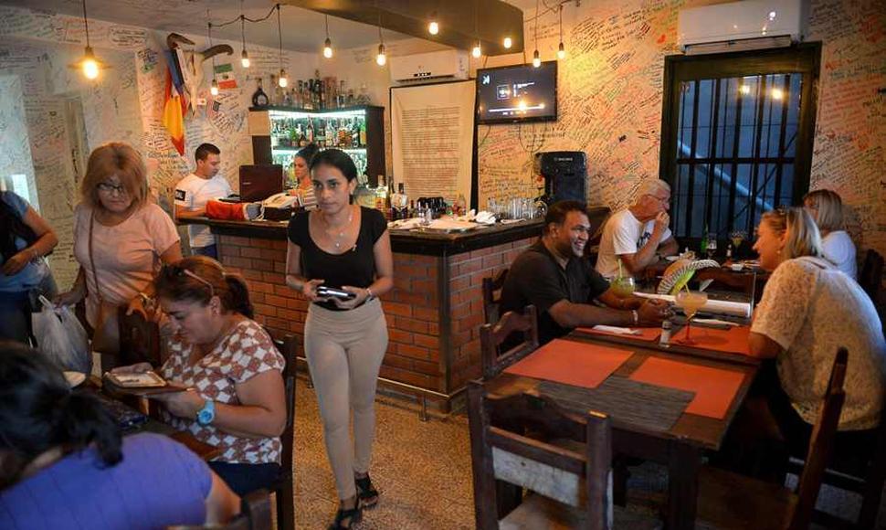 Repatriados impulsan economía y mercado inmobiliario en Cuba
