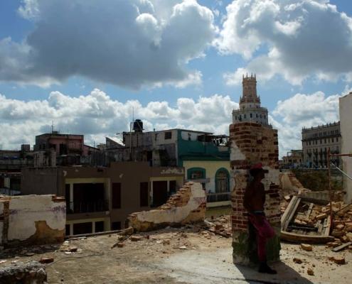 """Ramiro Valdés ante la crisis de la vivienda en Cuba: """"hay que enfrentar severamente el robo"""""""
