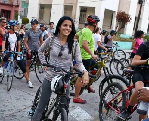 Recorrido en bicicleta por La Habana a favor del medio ambiente