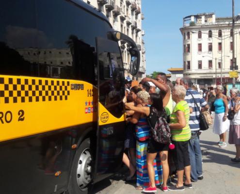 Cambios en en el servicio de microbuses en La Habana