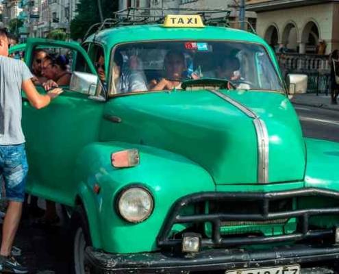 Taxistas huelga