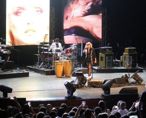 Blondie estremece La Habana a ritmo de rock