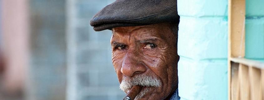¿Cómo explicar el alto número de centenarios cubanos?