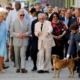 El príncipe Carlos y la duquesa Camila hacen recorrido a pie por la Habana Vieja