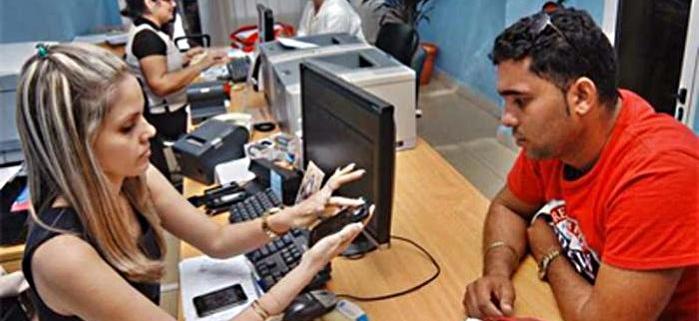 Menos de la mitad de las líneas de teléfono activas en Cuba se conectan a internet