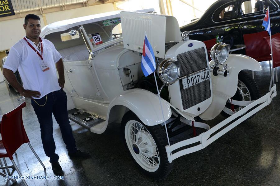 Salón del Motor en La Habana