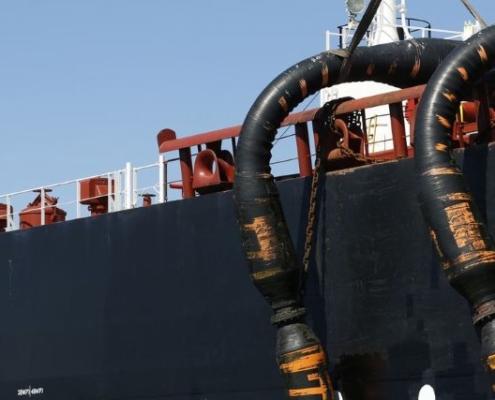 EE.UU. sanciona a un buque que transportó crudo venezolano a Cuba