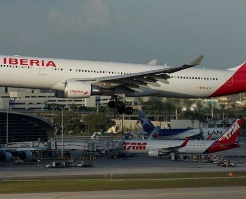 Spain repatriates its tourists stranded in Cuba on a last flight