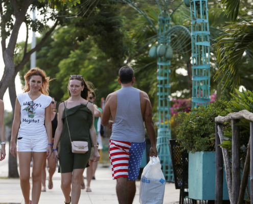 Number of US tourists to Cuba almost DOUBLES