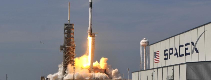 SpaceX lanzó 60 satélites para masificar el acceso a Internet