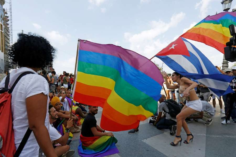 Cuban LGBT activists defy government, hold unprecedented indie pride parade