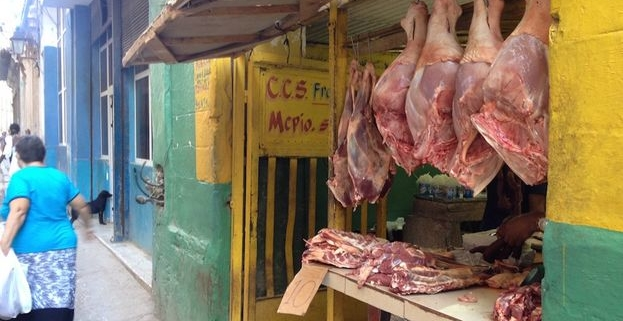 Prensa reconoce 'desorbitantes' precios de la carne de cerdo en La Habana