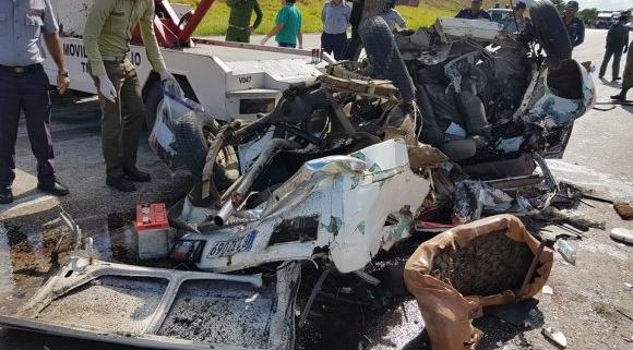 Tres muertos y cinco lesionados en accidente vial en la cercanía de Santa Clara