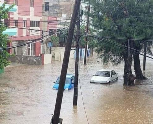 Intensas lluvias provocan inundaciones en las zonas bajas del Vedado