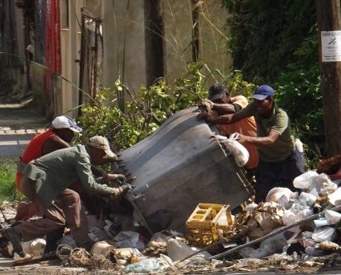 """El problema de la basura en La Habana también se debe a la """"indisciplina social"""""""