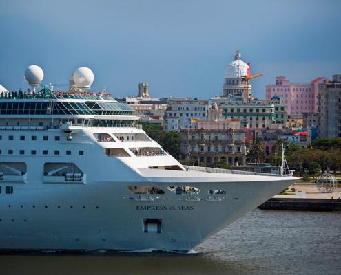Los cubanos están tristes de decir adiós al último crucero estadounidense