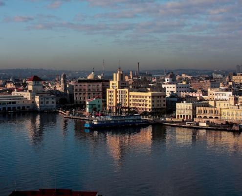 España dona casi 3 millones de dólares para sanear el agua de la Bahía de La Habana