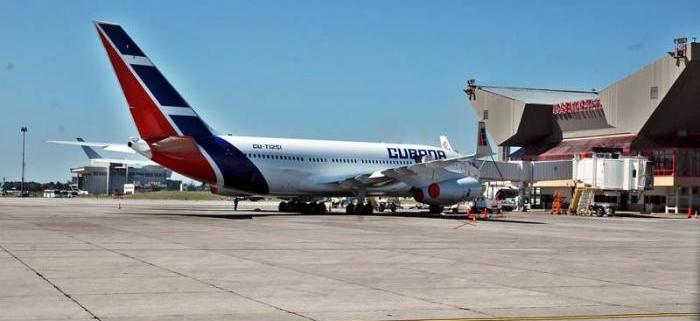 Aeropuertos de La Habana permanecerán cerrados, por ahora