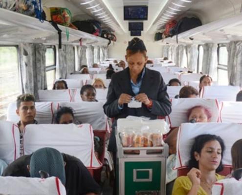"""Nuevo tren completa la ruta Habana-Santiago: """"El mayor problema fueron los pasajeros obsesionados con fumar"""""""