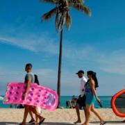 Le droit à la plage des Cubains, malmené par le tourisme et les transports